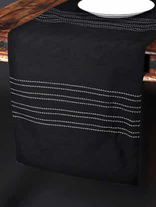 Zigzag Strip Black Cotton Table Runner (90in x 18in)