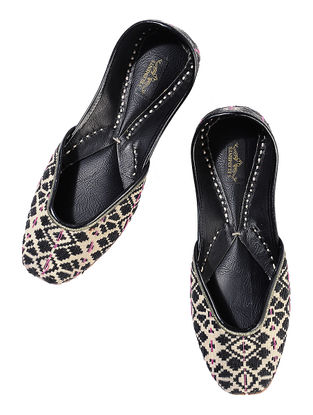 Black-Beige Geometric Pattern Cotton Leather Juttis