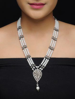 Pearl Beaded Silver Necklace with Floral Motif