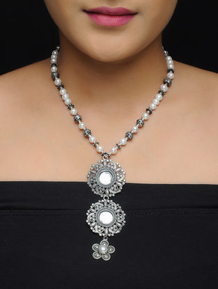 Pearl Beaded Silver Necklace with Floral Design