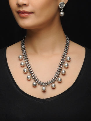 Classic Silver Necklace with a Pair of Earrings (Set of 2)