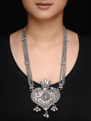 Vintage Silver Necklace with Floral Motif