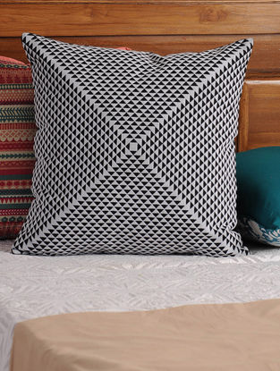 Pryamid Black-White Cushion Cover 17.5in X 17in