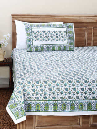 Green-Pink Block-printed Cotton Double Bedsheet with Pillow Cover (Set of 3)