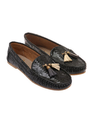Black-Beige Leather Shoes with tassels