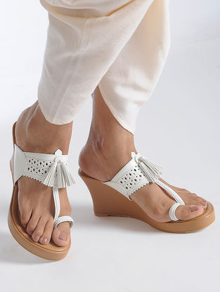 White-Beige Handcrafted Kolhapuri Sandals