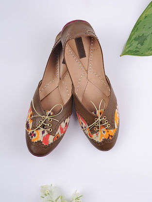 Brown-Multicolored Handcrafted Printed Cotton Juttis