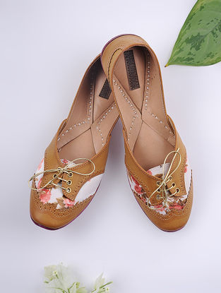 Tan-Ivory Handcrafted Printed Cotton Juttis
