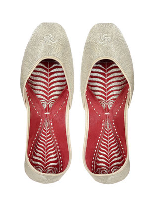 Silver-Red Handcrafted Leather Jutti