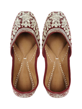 Maroon-Gold Handcrafted Leather Jutti