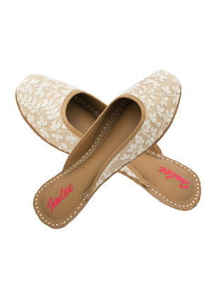Off White-Beige Thread Embroidered Leather Mojaris