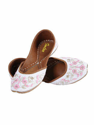 White-Pink Hand-Embroidered Leather Juttis