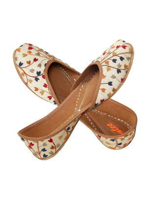 Beige-Multicolored Embroidered Silk and Leather Juttis