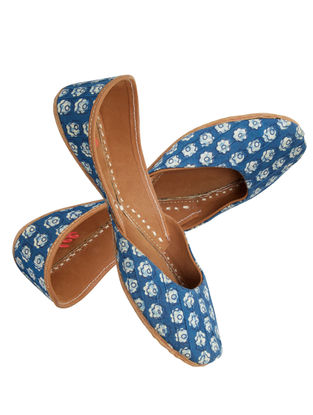 Blue-White Printed Cotton and Leather Jutti