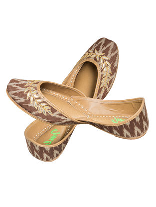 Brown Tilla-embroidered Ikat Cotton and Leather Juttis for Women