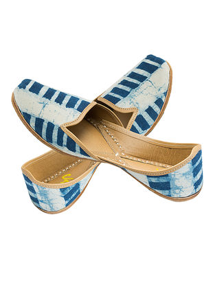 Indigo Printed Cotton and Leather Juttis for Men