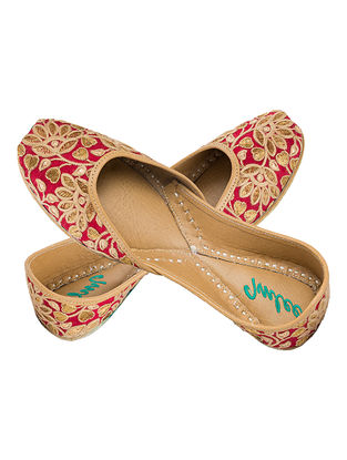 Maroon Thread Embroidered Silk and Leather Juttis for Women