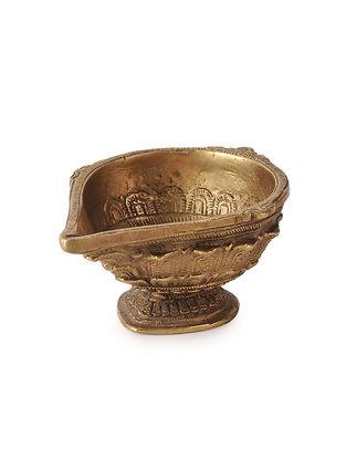 Brass Diya (L:4.5in, W:3.2in, H:1in)