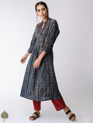 Indigo-Ivory Pleated Ajrakh Cotton Kurta by Jaypore
