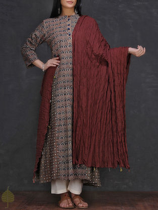 Maroon Crinkled Cotton Dupatta by Jaypore