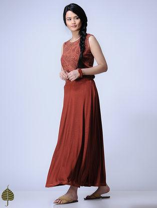 Madder Knitted Viscose Slub Skirt with Zari Detail by Jaypore