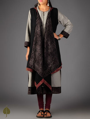 Black  Ajrakh Lined Cotton Cape By Jaypore