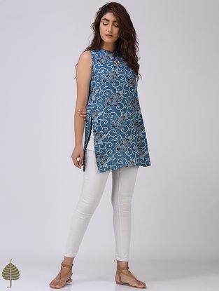 Indigo-Red Dabu-printed Cotton Khadi Tunic by Jaypore