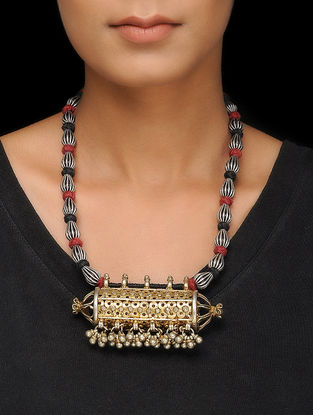 Black-Red Thread Silver Necklace