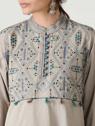 Beige Embroidered Mandarin Collar Cotton Kurta by Jaypore