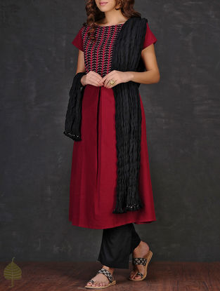 Black Crinkled Cotton Dupatta by Jaypore