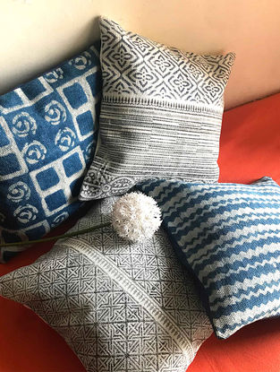 Enika White-Indigo Hand Block-printed Cotton Cushion Cover (Set of 4) (18in x 18in)