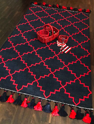 Celestia Blue-Red Hand Woven Cotton Rug with Tassels (3ft x 5ft)