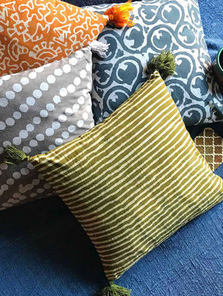Elkona Multicolor Hand Block-printed Cotton Cushion Covers with Tassels (Set of 4) (16in x 16in)