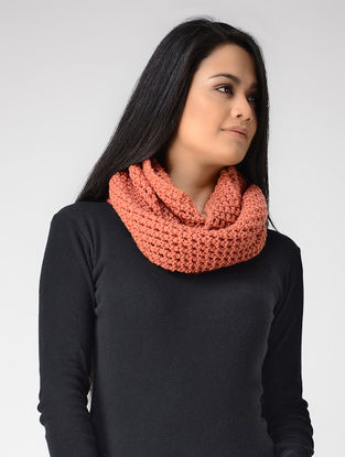 Peach Hand-knitted Wool Loop