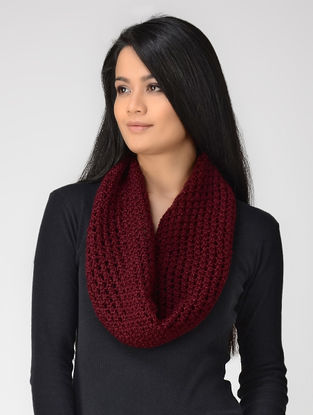 Maroon Hand-knitted Wool Neck Warmer
