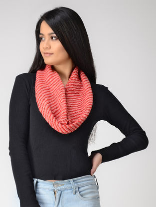 Pink Hand-knitted Wool Neck Warmer