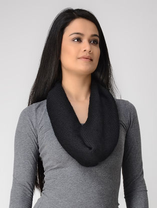 Black Hand-knitted Wool Neck Warmer