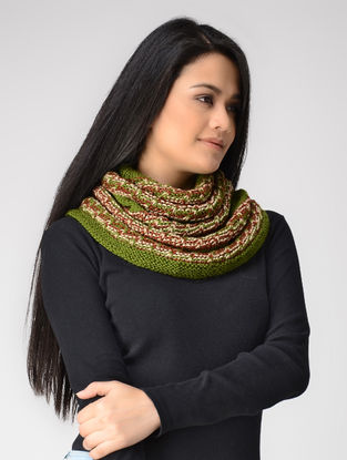 Green-Red Hand-knitted Wool Cowl