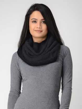 Black Hand-knitted Wool Cowl