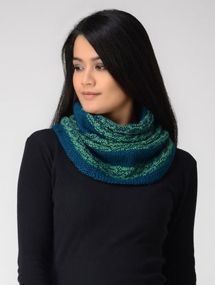 Blue-Green Hand-knitted Wool Cowl