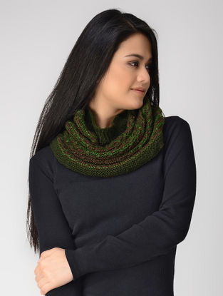 Green-Maroon Hand-knitted Wool Cowl