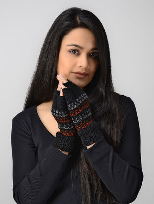 Black Hand-knitted Wool Gloves