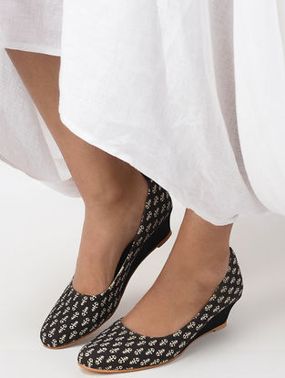 Black-White Handcrafted Cotton Wedges