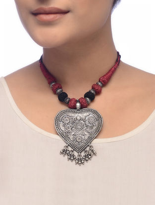 Maroon-Black Thread Tribal Silver Necklace with Flroal Motif