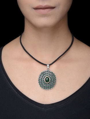 Green Silver Thread Necklace