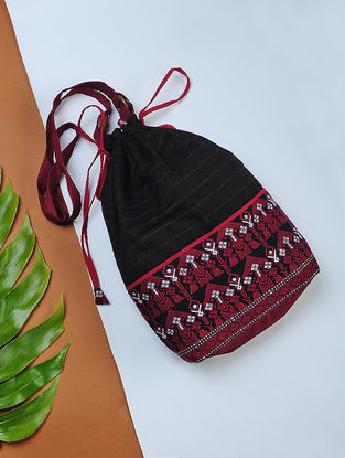 Black-Red Handwoven Cotton Potli Sling with Assamese Motif