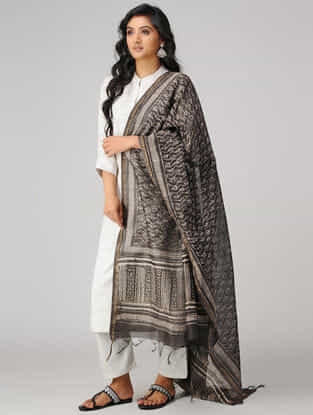 Kashish-Ivory Natural-dyed Dabu-printed Chanderi Dupatta with Zari Border