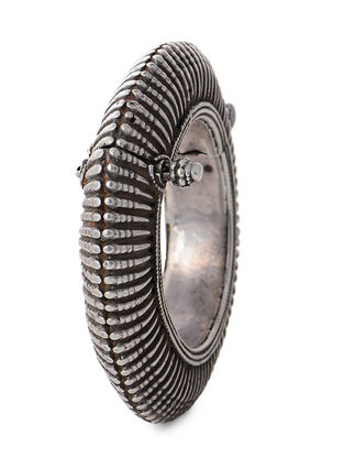 Hinged Opening Tribal Silver Bangle (Bangle Size -2)