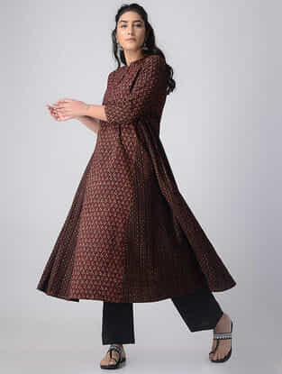 Madder-Ivory Block-printed Cotton Kurta by Jaypore