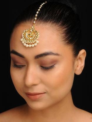 White Gold Tone Kundan Inspired Jadau Pearl Mang Tikka